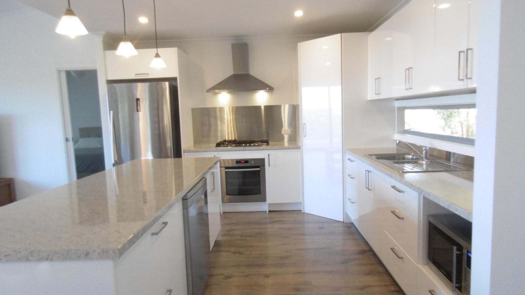 Berrambool 91 Kitchen 2
