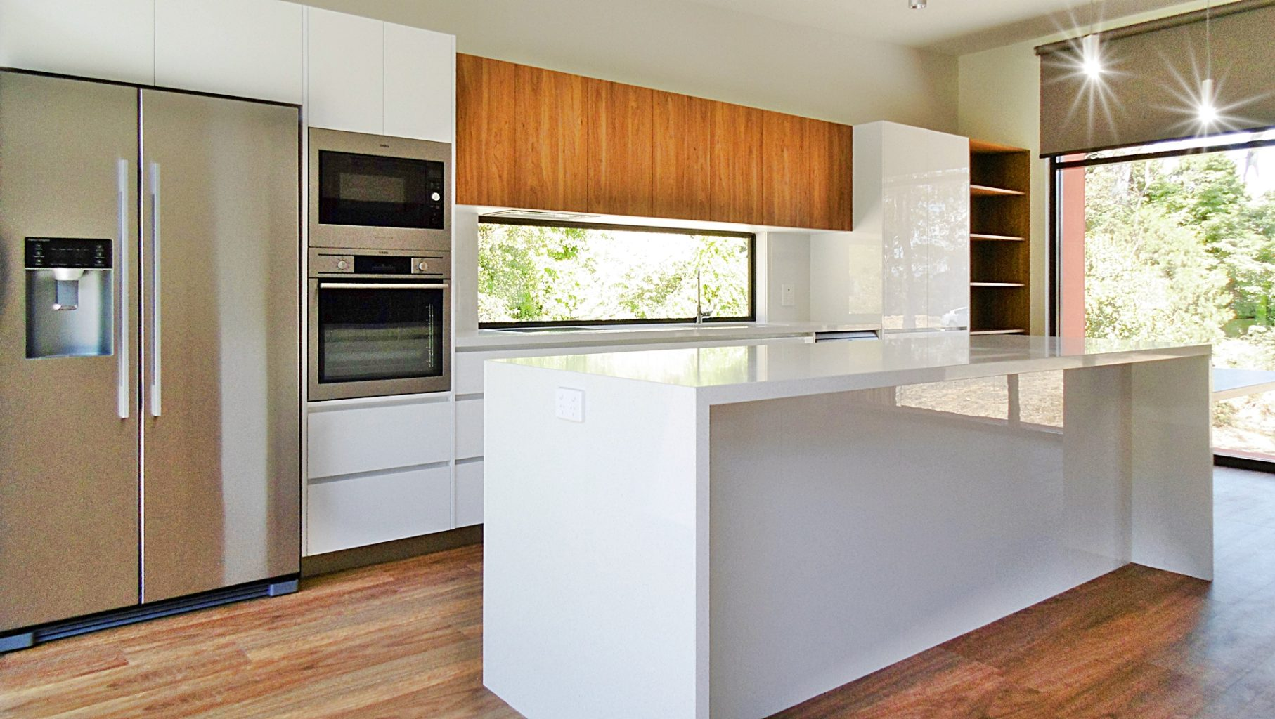 Sirocco dining kitchen
