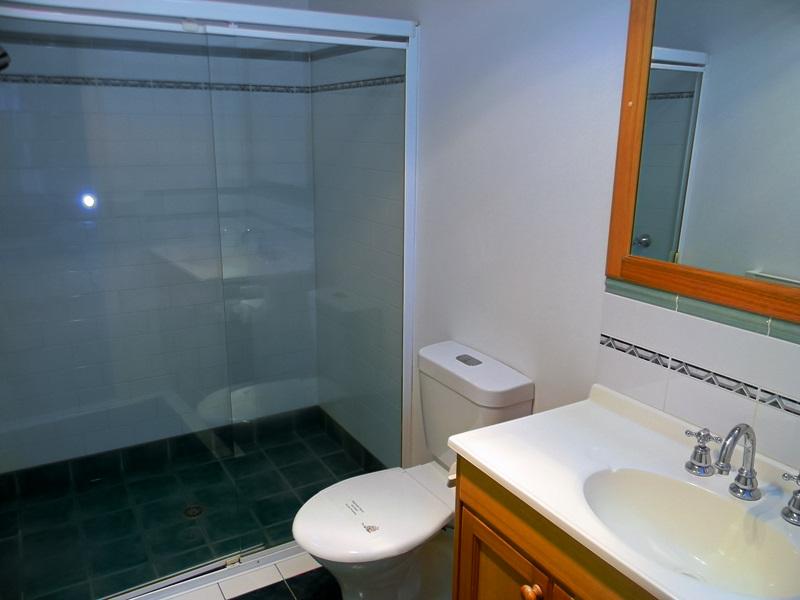 Lakeside Duplex Bath