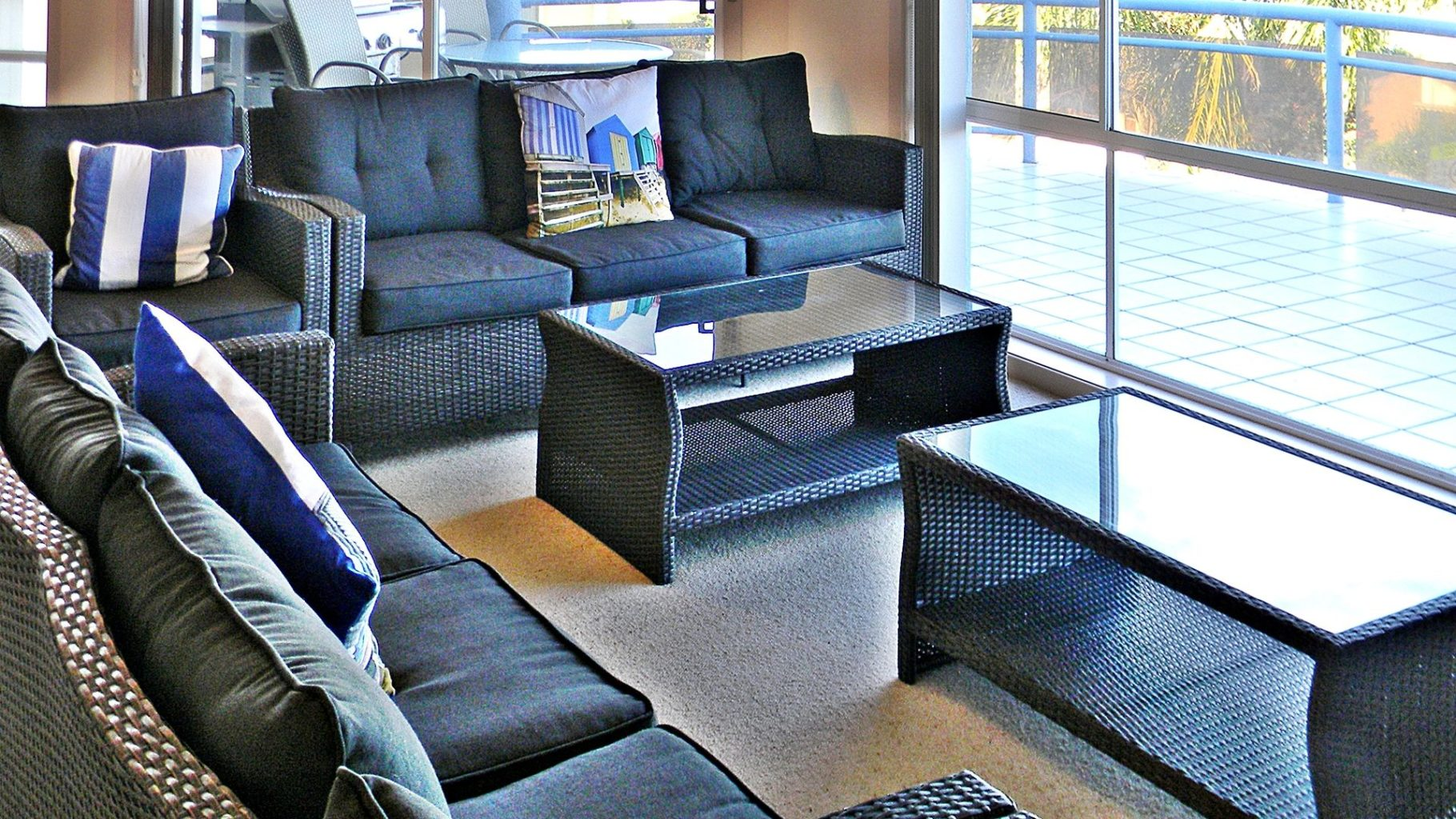 Quays 6 lounge 2