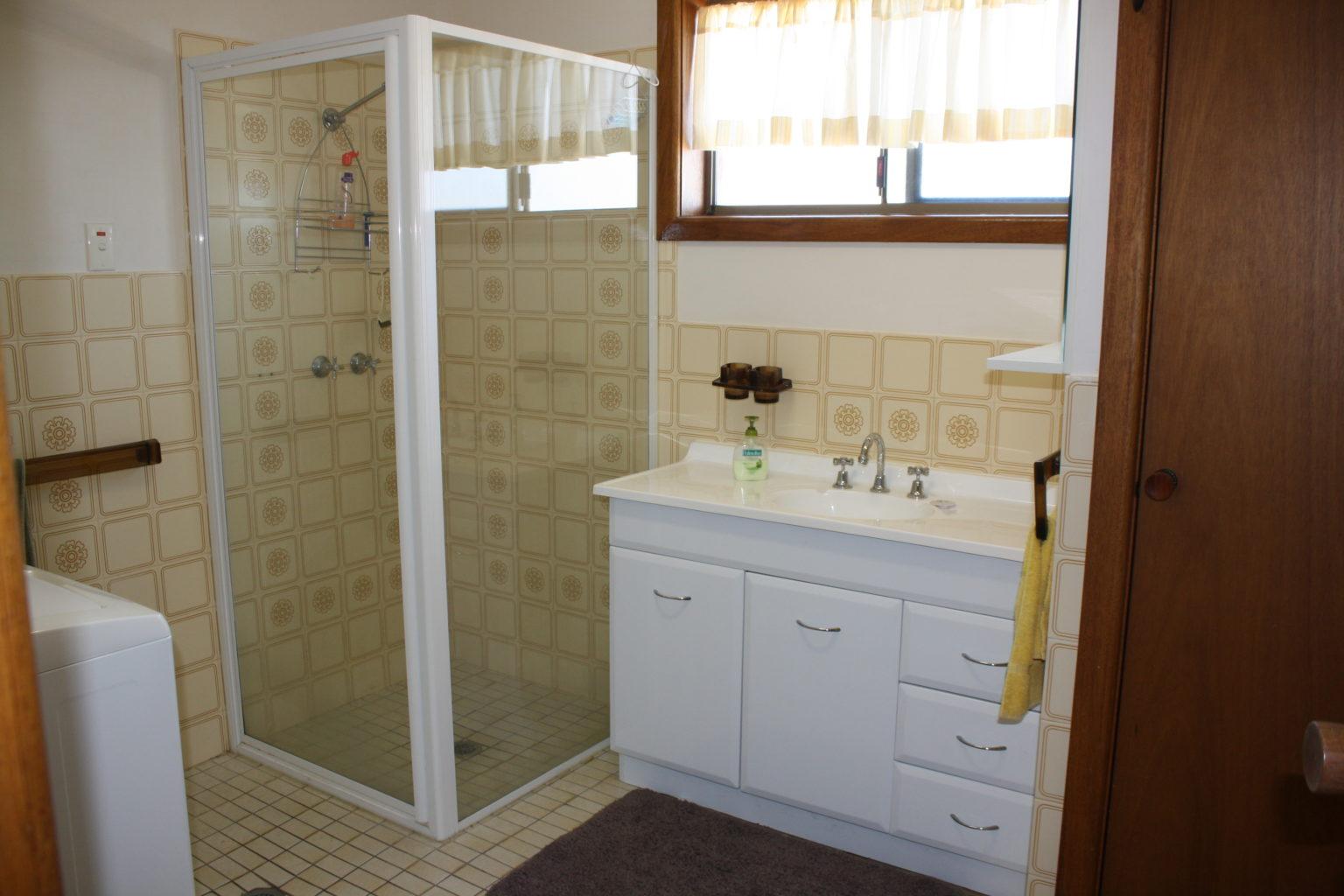 Tasman Views Bath