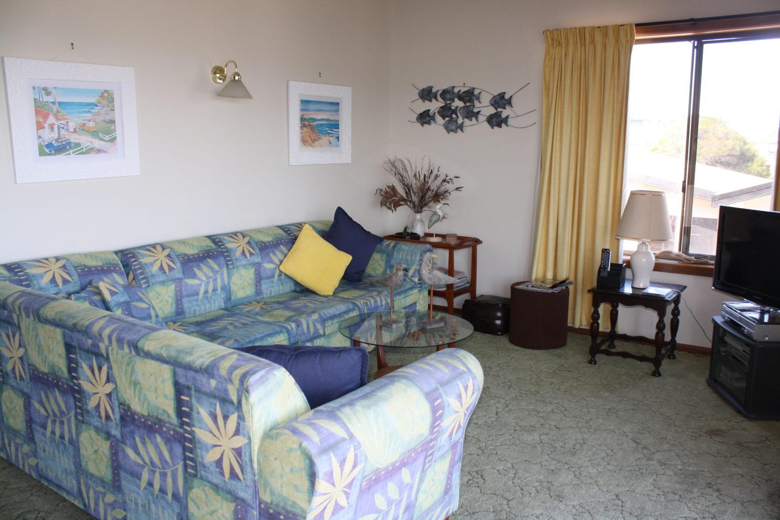 Tasman Views Lounge
