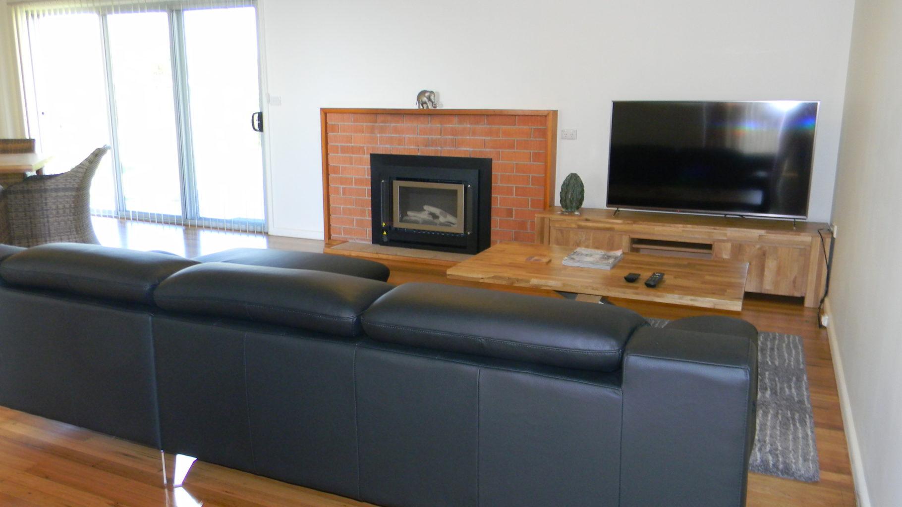 Whale Watcher Lounge 2