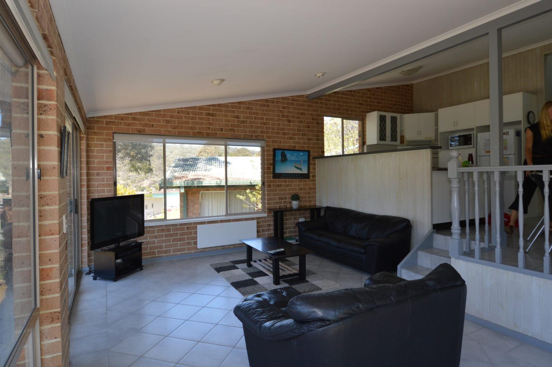 Tallangatta lounge 4