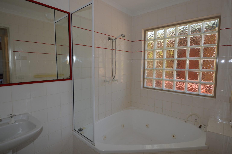 Tallengatta Bath