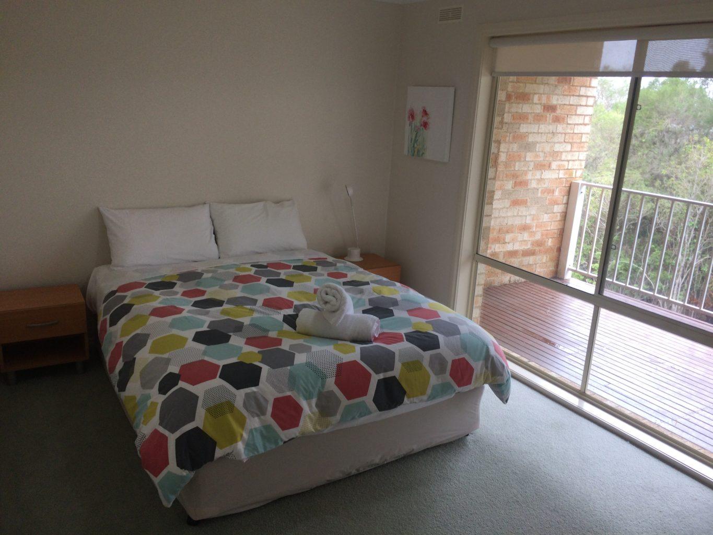 Lakeside Duplex Bedroom 2