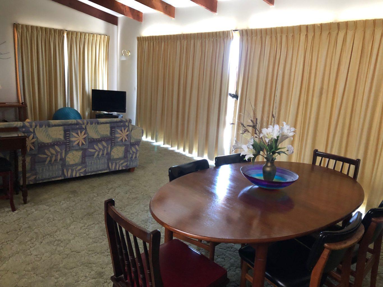 Tasman Lounge